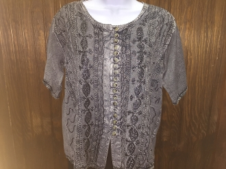 Gray Short Sleeve Blouse with Buttons and Embroidery